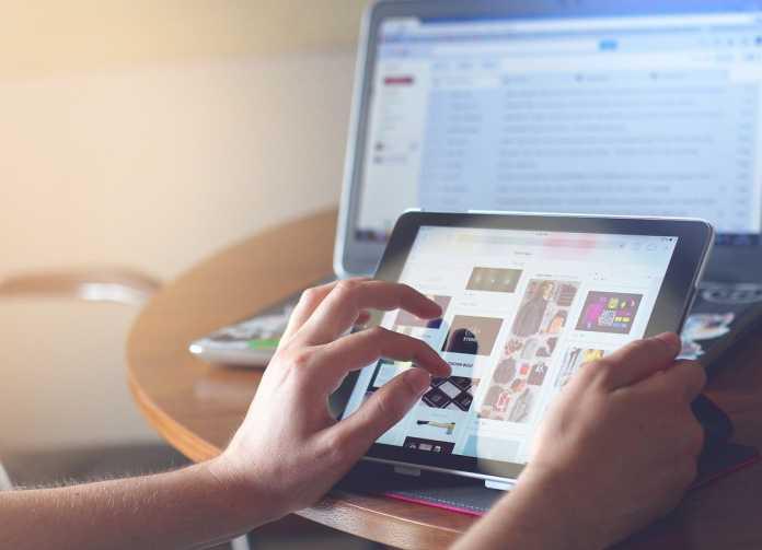 face internet în afaceri